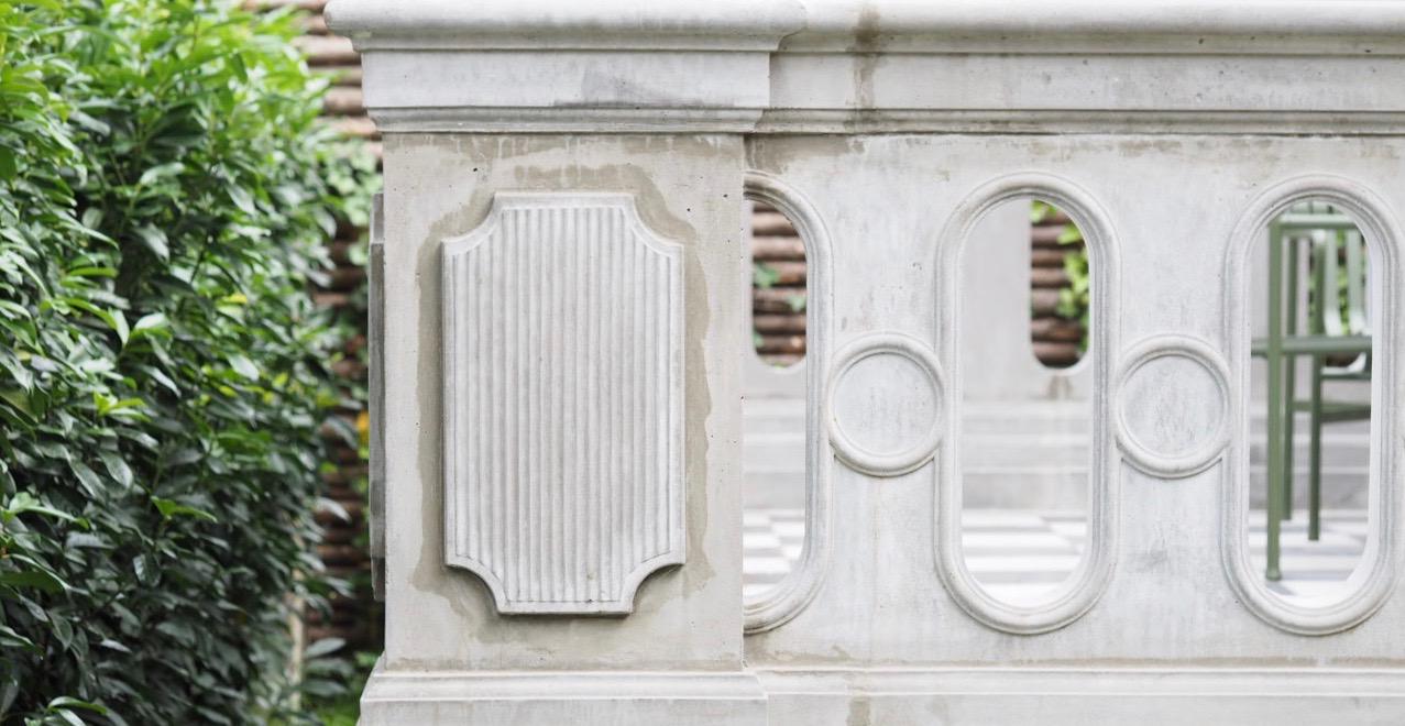Balustrade yderside støbt i beton af stukkatør Jacobsen-Friis